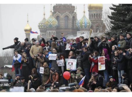 EIV: Russians protest against corruption