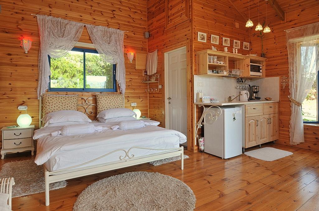 מיטה ומטבחון