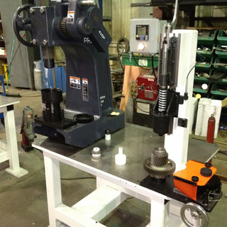 Manual Transfer Shaft Press and Gage Station