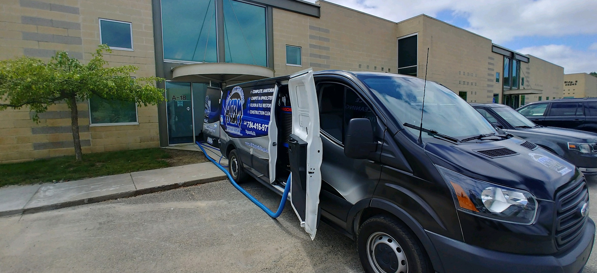 Truck Mounted Carpet Cleaner In Commerce, MI