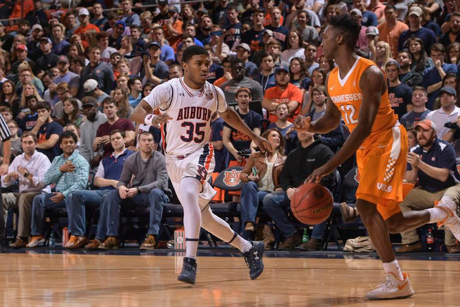 Tigers Unable to Overcome First-Half Deficit, Fall at Home to Tennessee