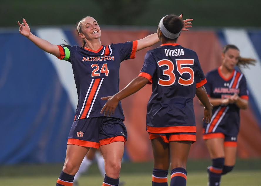 Casie Ramsier (24) and Kristen Dodson (35) had big weekends. Photo: Dakota Sumpter/Auburn Athletics