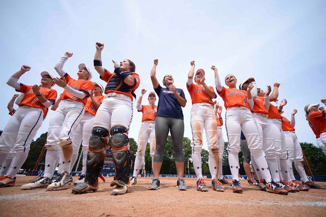 Auburn Softball Advances to Super Regionals with Sunday win over Cal