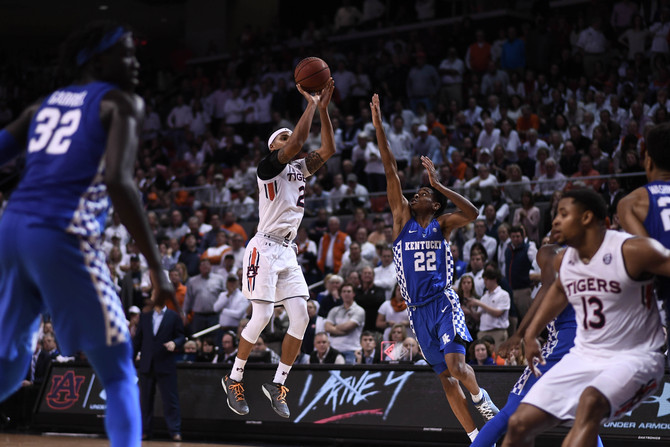 Auburn grinds out tough win against UK