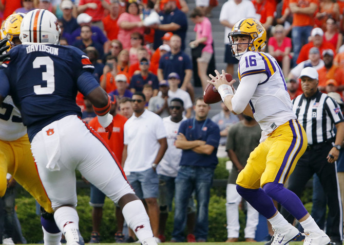 Will Moon's Deep Football Thoughts from Outer Space: Week Seven Preview