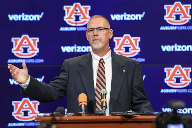 Dean Introduced as Head Coach of Auburn Softball