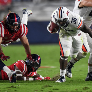 Balanced Offense, Special Teams lead Auburn to Road Win at Ole Miss
