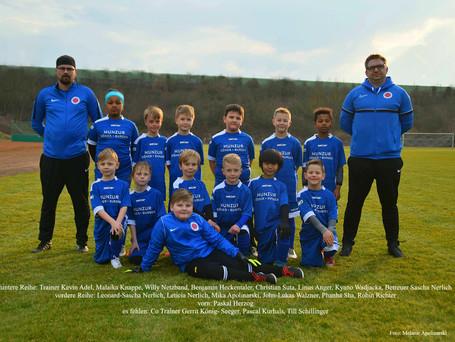 F-Junioren mit neuem Teamfoto
