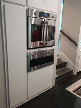 Microdrawer and French door oven.jpg