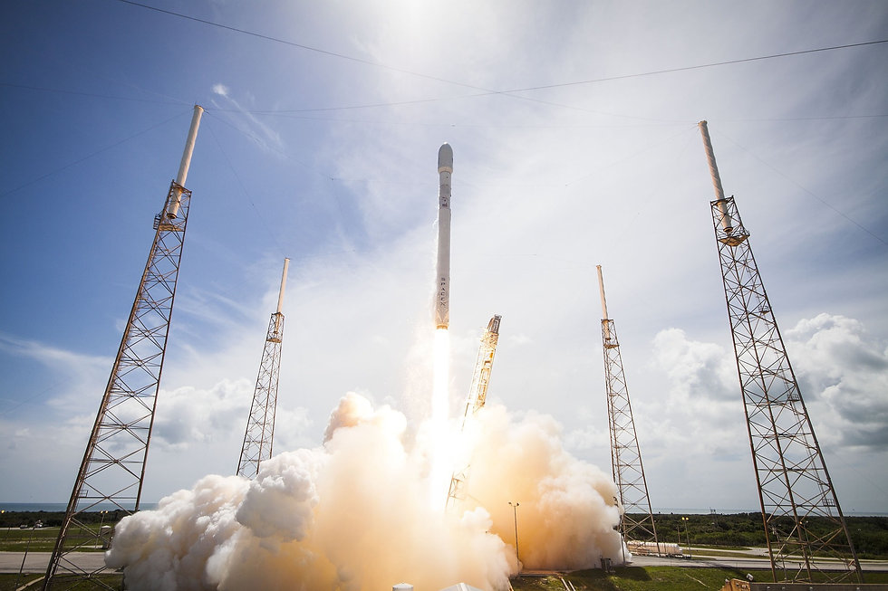 rocket-launch-693273_1920.jpg