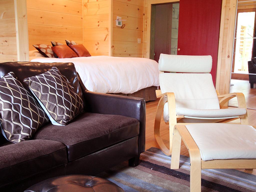 WS3bedroomloveseat.jpg