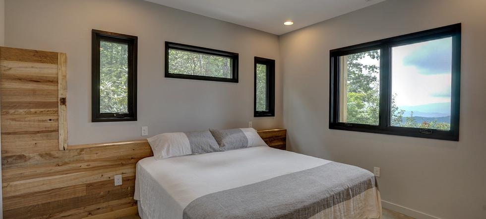 Sunset Falls - lower king bedroom