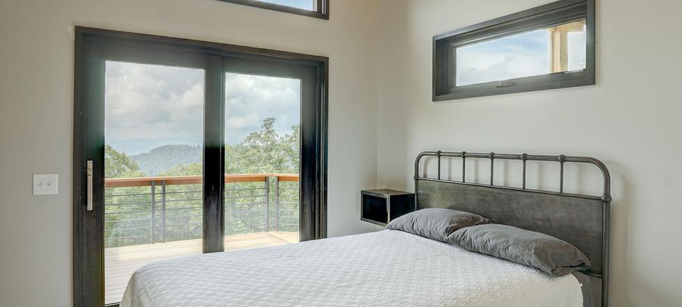 Sunset Falls - queen bedroom 2
