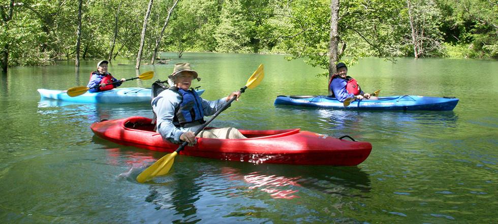 attractions-kayaking.jpg