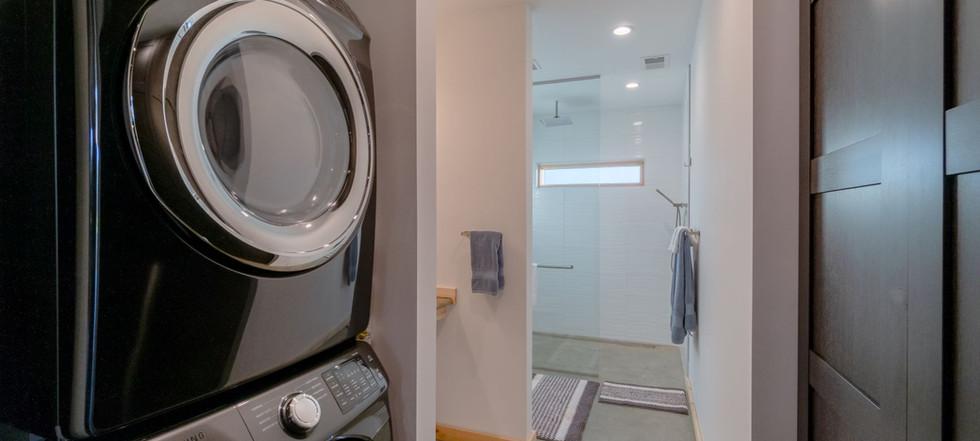 Point D - bathroom - sm.jpg