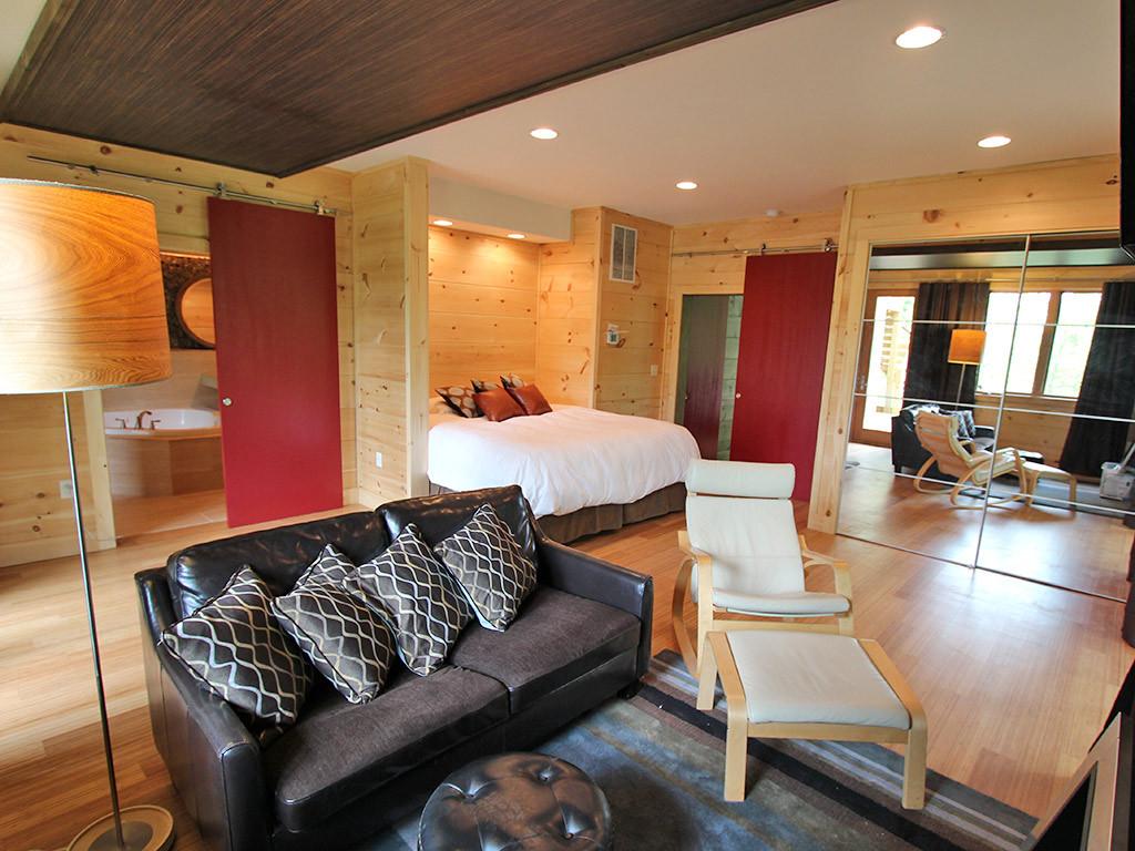 WS3bedroombathroom.jpg