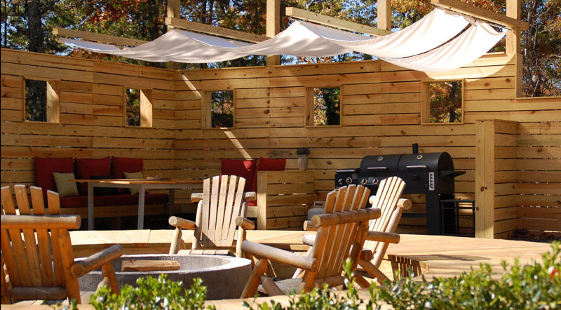 WLext-outdoor-dining.jpg