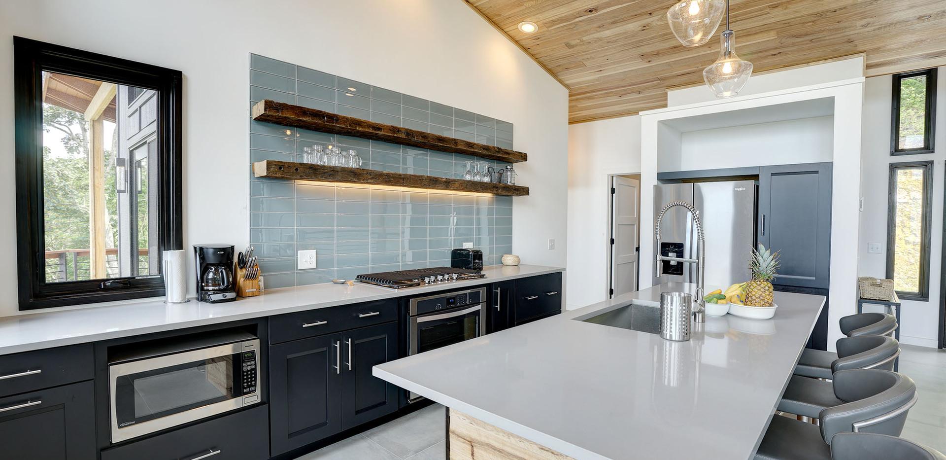 Sunset Falls - kitchen2