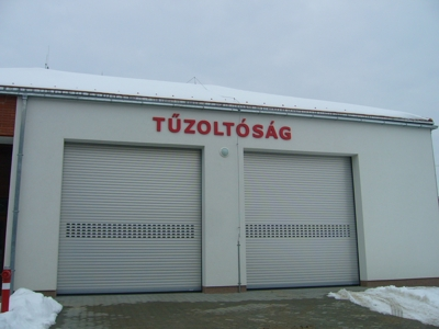 Új tűzoltóépület garázs