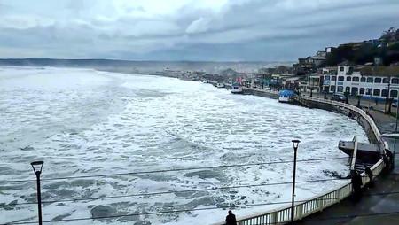 Desaparece popular balneario en Chile por fuertes marejadas