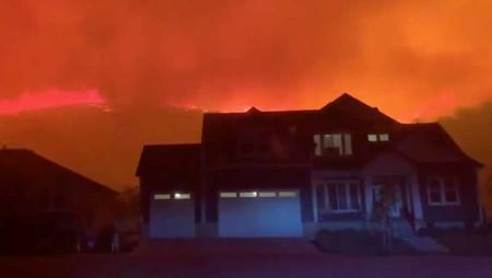 Incendio en Utah afecta más de 400.000 hectáreas, viviendas afectadas y miles de evacuados