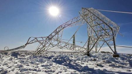 Clima extremo en Argentina provoca el colapso de 55 torres de alta tensión