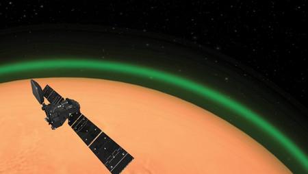 Detectan misterioso resplandor verde alrededor del planeta Marte
