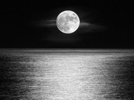 La NASA advierte que la luna se está bamboleando y esto provocará severas inundaciones en la Tierra