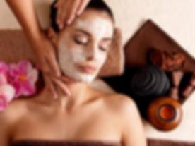 Estetica Beauty Gallery Campitello: trattamento viso maschera idratante