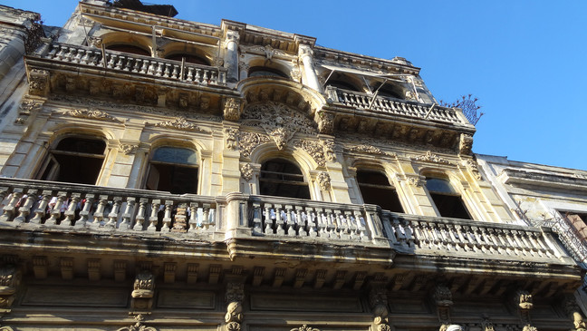 CUBA - Part 1: Havana - A Sultry Seductress
