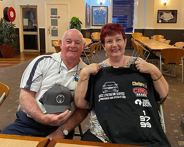 Roger & Sandra with prizes.jpg