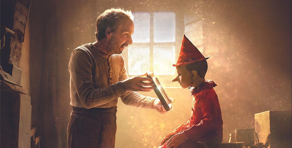 Roberto-Benigni-as-Geppetto-and-Federico