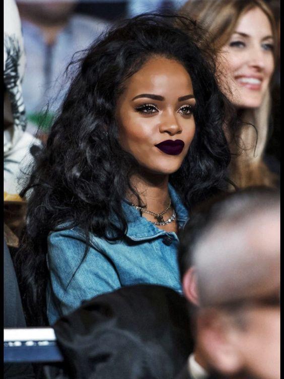 Rihanna bold lips