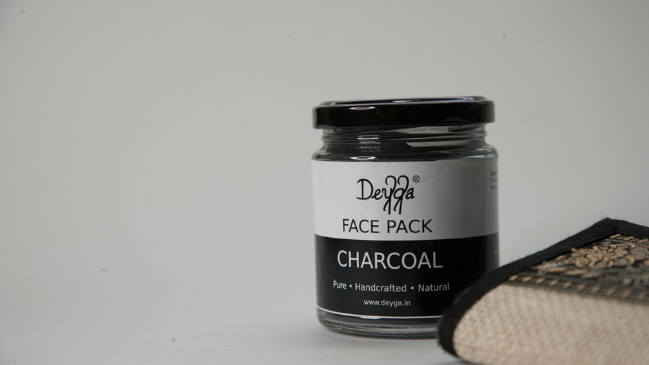 Refreshing Charcoal face Mask You Have To Try!