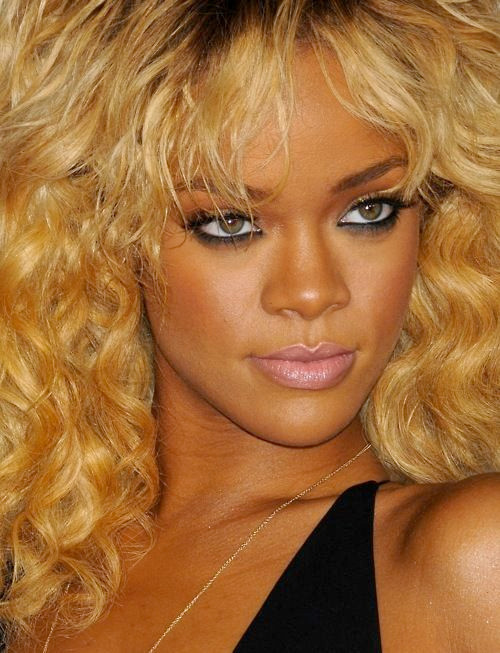 Rihanna nude lips