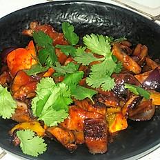 Wok с свиной шейкой и хрустящими овощами