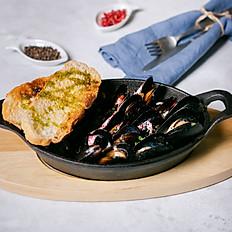Моллюски и белое вино