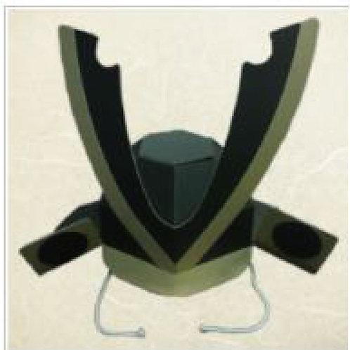 ダンボール製の兜