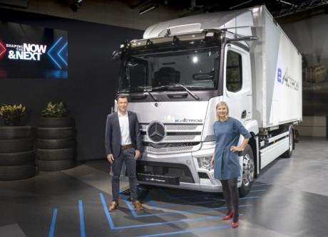 Mercedes-Benz Trucks presenta soluzioni innovative per la transizione energetica