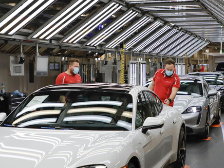 Porsche calls for suppliers to switch to green energy.