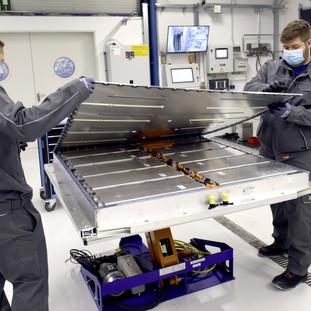 Aus alt mach neu:Volkswagen Group Components startet Batterie-Recycling