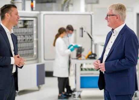 il Gruppo Volkswagen compie un ulteriore passo per lo sviluppo e la produzione propria di celle