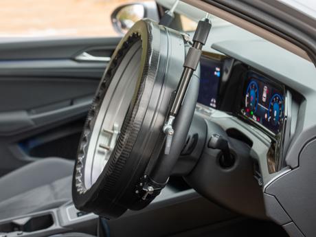 """""""Halo"""", lo Steering Robot da guida del fornitore Britannico AB Dynamics"""
