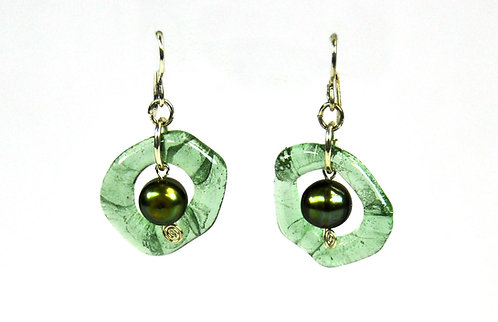 SS Republic Glass Earrings With Pearl