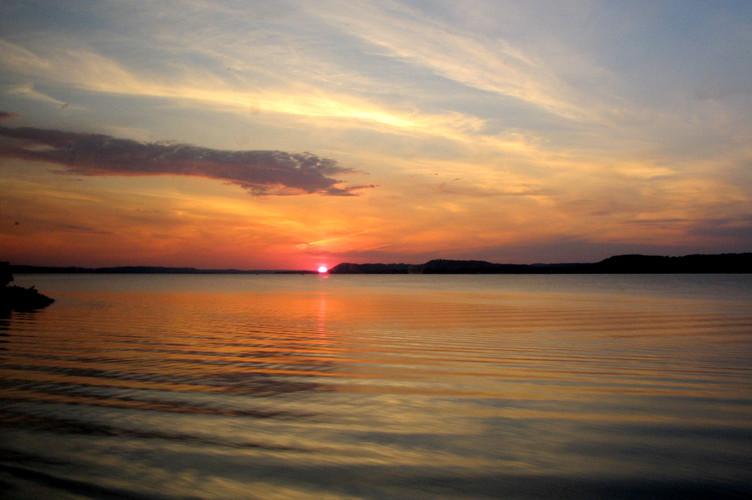 Sunset_on_the_Mississippi2.JPG