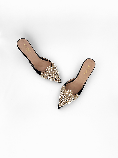 Diana Pearl Slippers   Black Lace