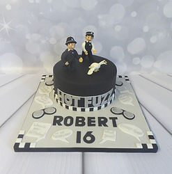 Roberts 16 cake.jpg