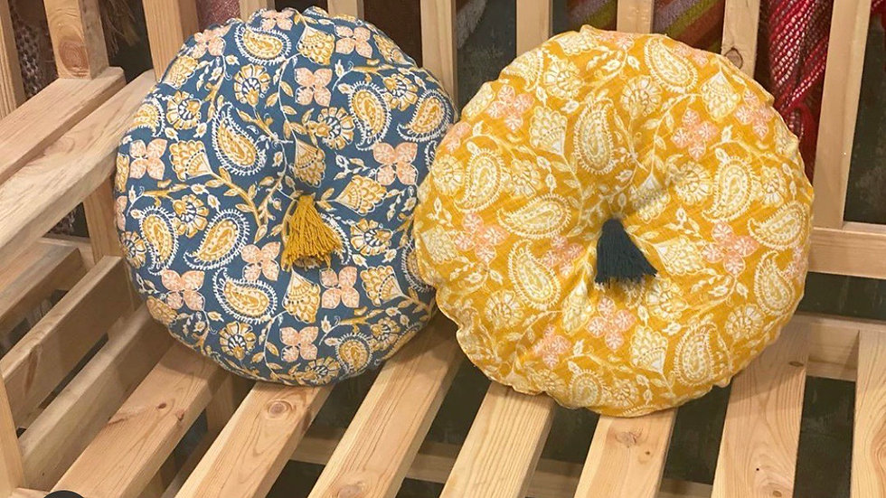 Printed round floral cushion with Tussel (with filler )