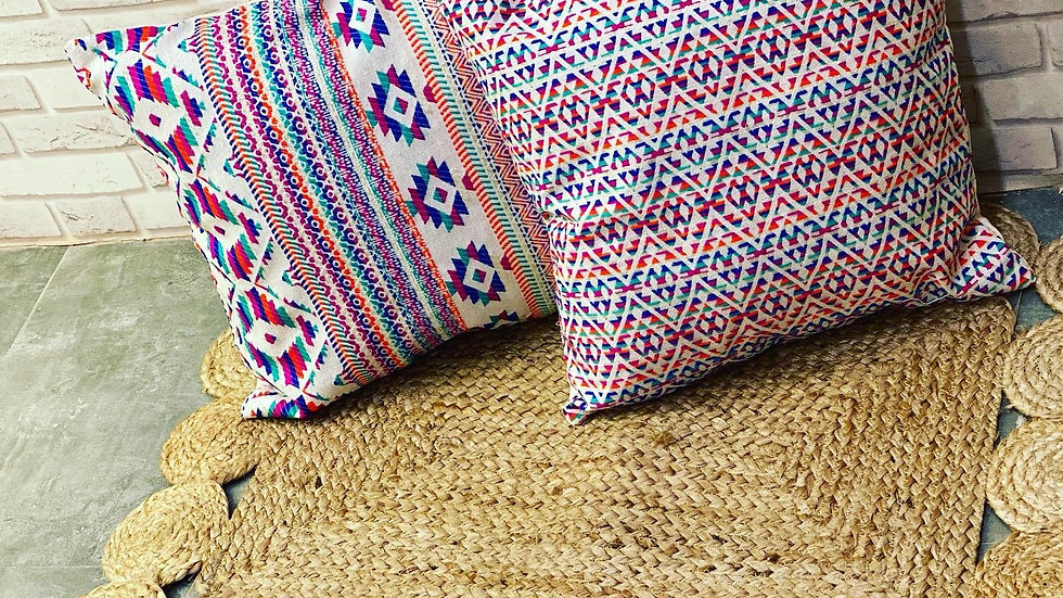 Set of 2 jacquard cushion with filler