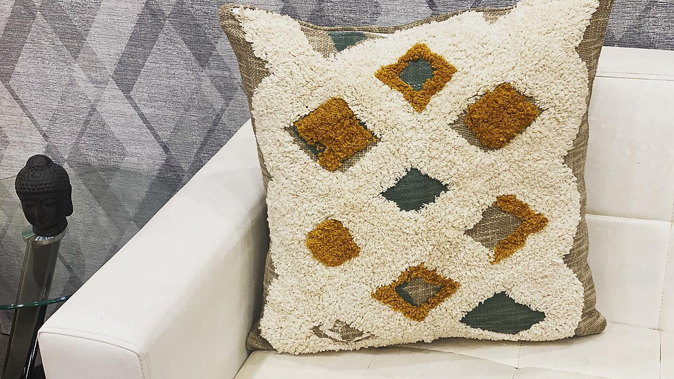 Tufted diamond cushion cover